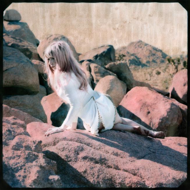 3_hannah-on-rocks-pink-portfolio