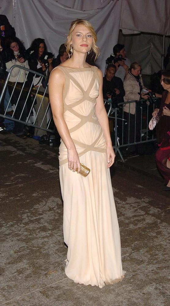 2004 claire danes alexander mcqueen