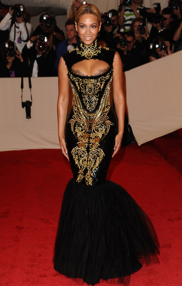 2011 Alexander_Mc_Queen_Beyonce_Met_Gala_2011