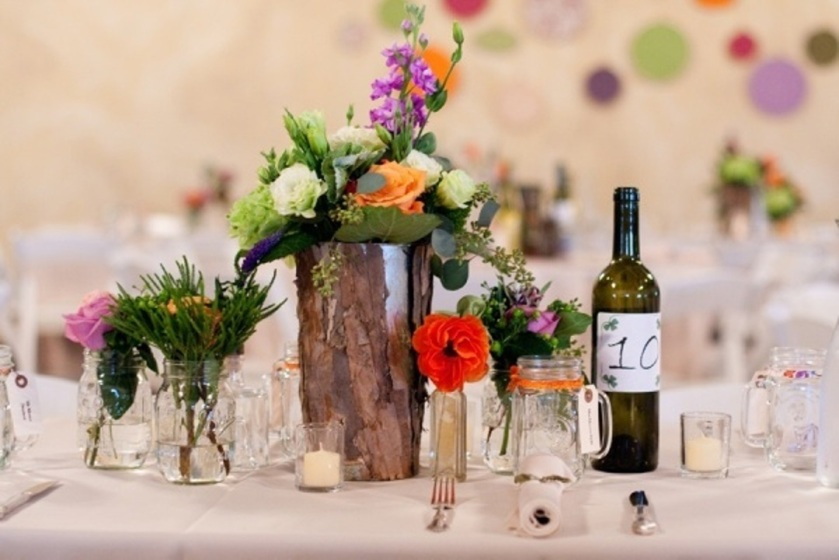 floral wedding decor with bottles14