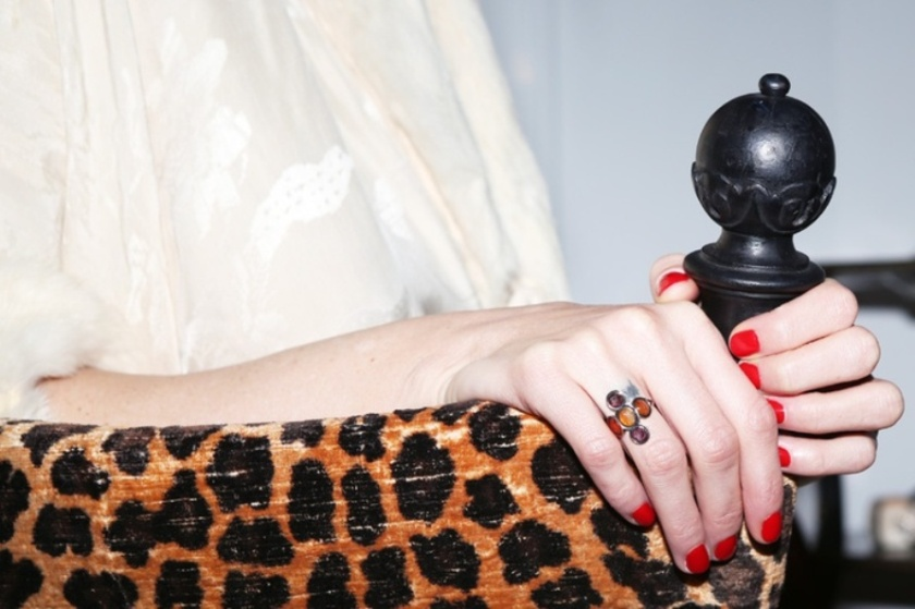 red nails leopard