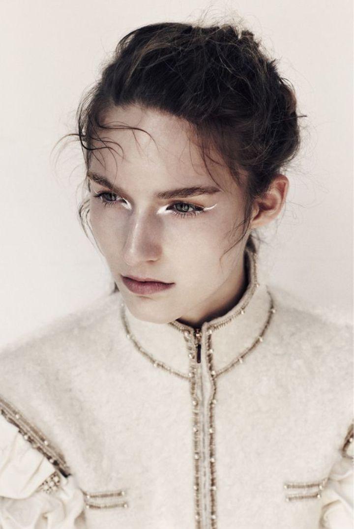 white eyeliner3