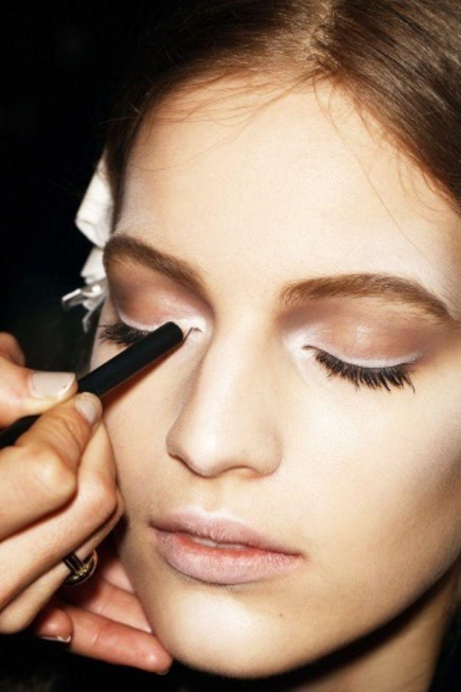 white eyeliner6