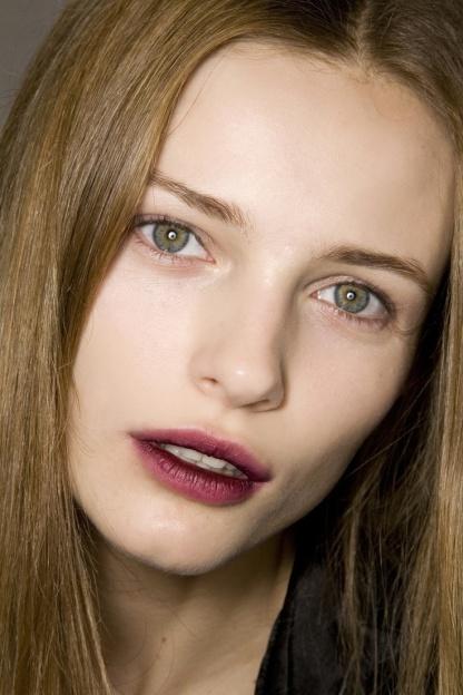 The_Fashion_Medley_Burgundy_Lips10
