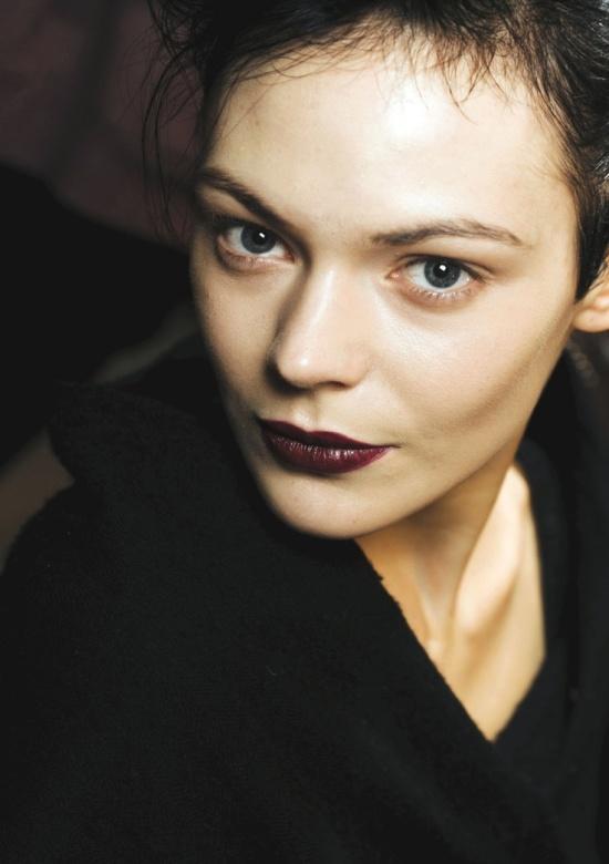 The_Fashion_Medley_Burgundy_Lips4