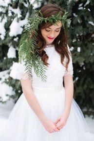 pretty winter bride