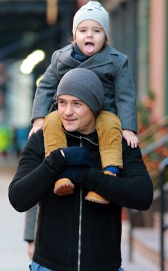 orlando bloom with son