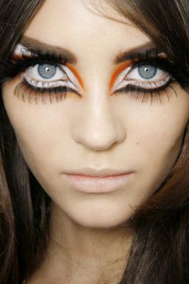 Halloween Makeup Inspiration From Runway | Christian Dior FW2008