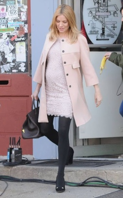sienna miller maternity style
