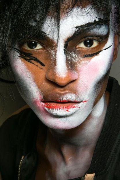 Halloween Makeup Inspiration From Runway | Vivienne Westwood SS14