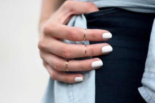 white nail polish with minimal rings