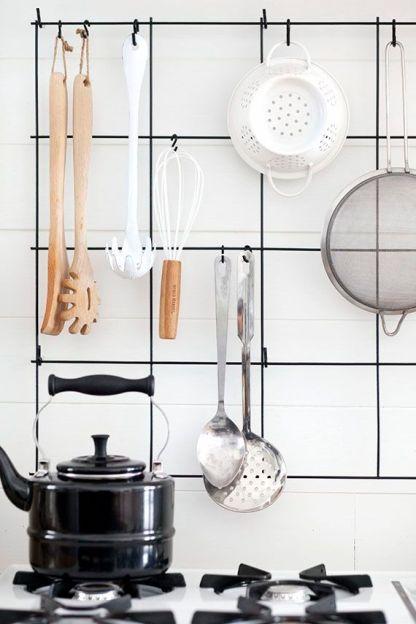 metal grid kitchen rack